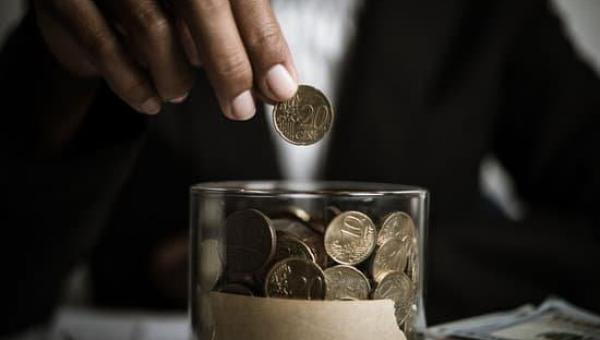 ECONOMIZAR, POUPAR E INVESTIR É A DIFERENÇA ENTRE OS SAUDÁVEIS E DOENTES FINANCEIRAMENTE