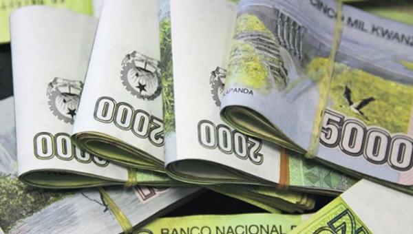 O dinheiro do País Está Sendo Levado Fora e Nós Não Fazemos Absolutamente Nada?